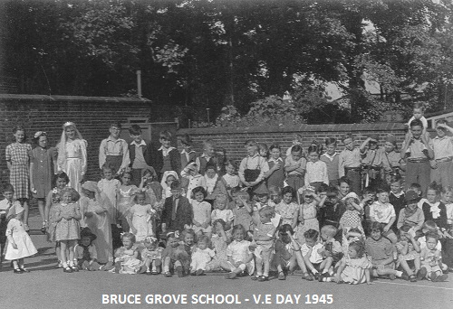 bruce_grove_school_v.e.day_party.jpg (99749 bytes)