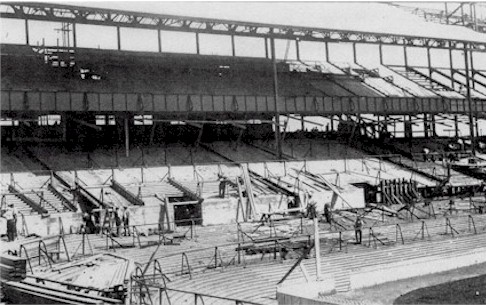east_stand_under_construction_1934.jpg (62952 bytes)
