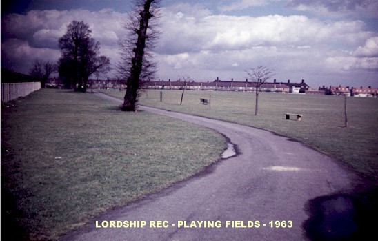 lordship_rec_playing_field_1963.jpg (56562 bytes)