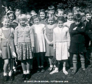 st_anns_junior_school_1958.jpg (55465 bytes)