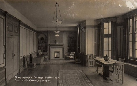 st_katherines_common_room.jpg (72417 bytes)