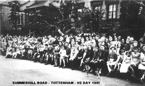 summerhill_road_veday_1945.jpg (60761 bytes)