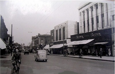 tottenham_high_road_c1950.jpg (32188 bytes)