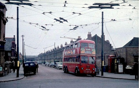 trolleybus_route649_early1960s.jpg (46442 bytes)