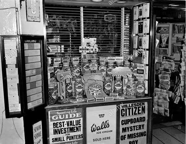 typical_1950s_newsagent.jpg (152122 bytes)