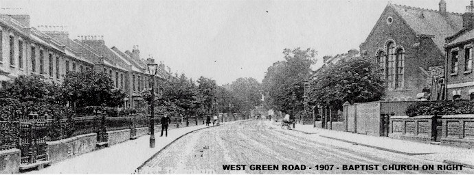 west_green_road_1907_showing_baptist_church.jpg (74877 bytes)