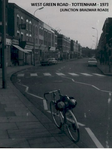 west_green_road_junction_braemar_road_tottenham_1973.jpg (41010 bytes)